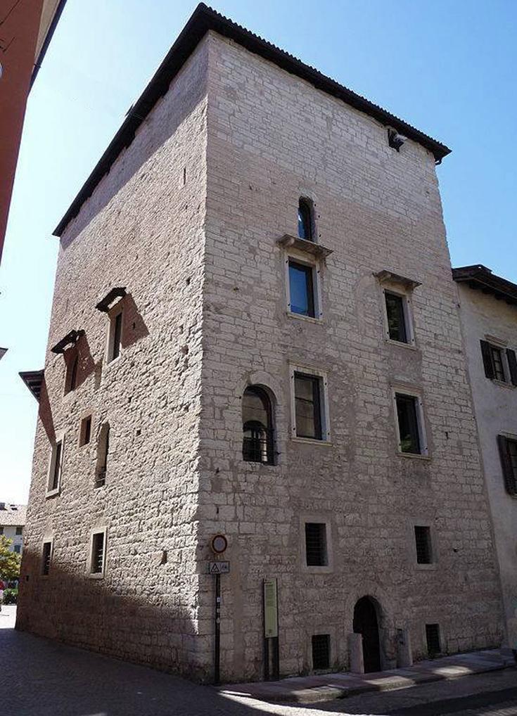 Torre di massarello o casa torre arcidiaconale siti for Piani di casa torre