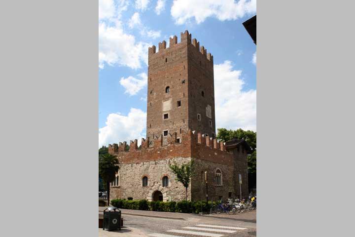 torre vanga    siti    home