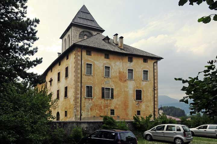 Castel malosco siti home castelli del trentino for Castel vasio